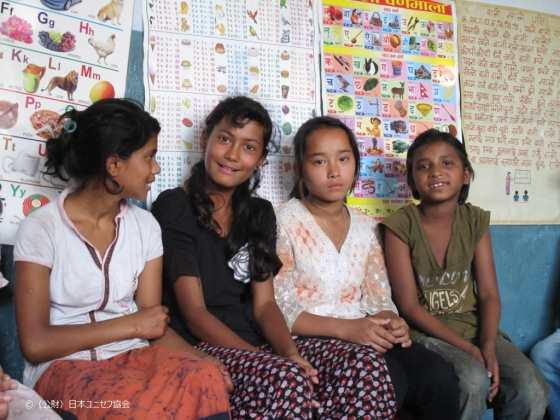 ネパール非公式教育施設にて